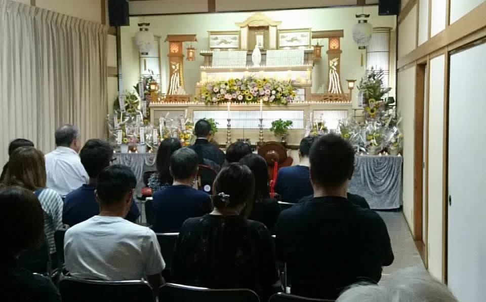 もみじ会館での第4回華の追悼会の様子3
