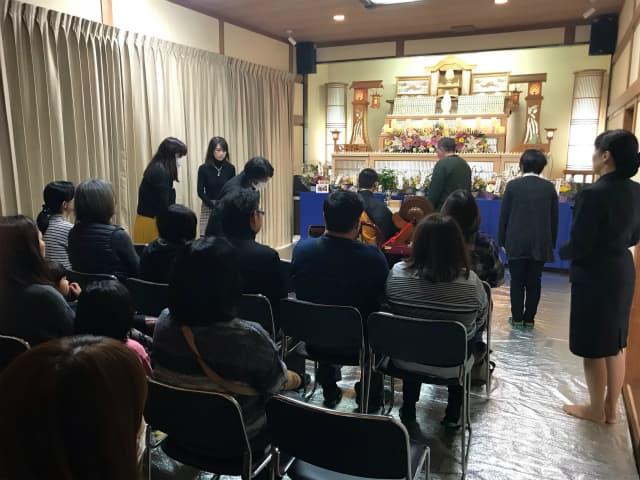 もみじ会館での第5回華の追悼会の様子4